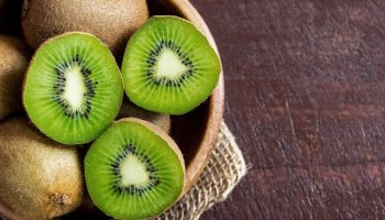 1800ss_getty_rf_kiwi_fruit